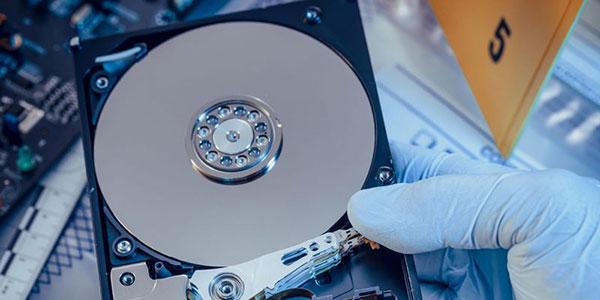 بازیابی اطلاعات هارد دیسک، با خرابی هد که صدای کلیک از آن شنیده می شود